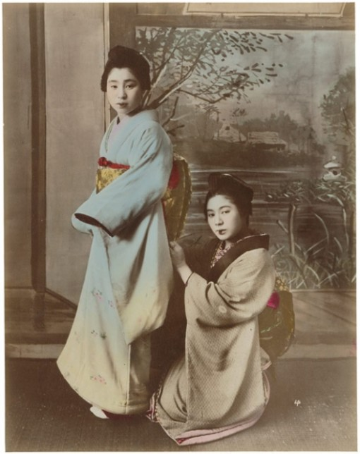 Zartrosa-und-Lichtblau-Japanische-Fotografie-der-Meiji-Zeit-1868-1912_703621_1