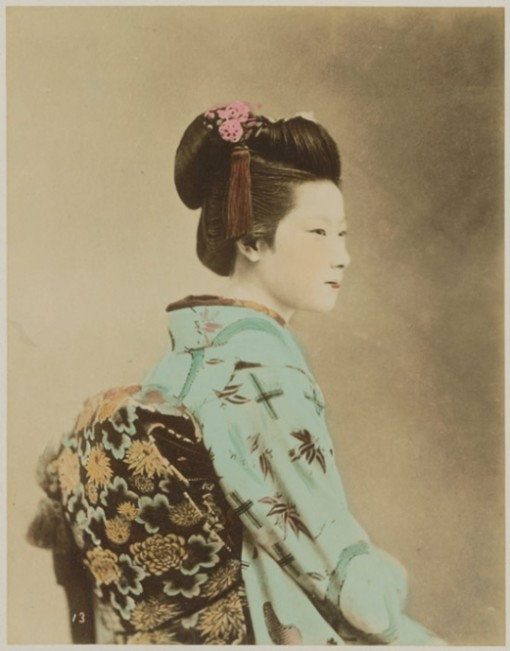 Zartrosa-und-Lichtblau-Japanische-Fotografie-der-Meiji-Zeit-1868-1912_703621_5